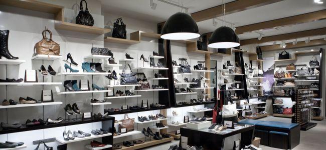 В России упала выручка обувных магазинов