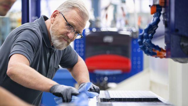 Добейтесь успеха в профилактическом обслуживании оборудования, вовлекая операторов в процесс совершенствования производства