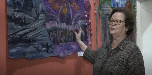 В Бийске открылась выставка картин из шерсти и текстиля