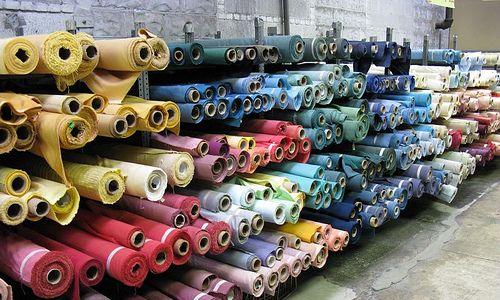 Основными импортируемыми товарами из Ивановской области являются текстиль, текстильные изделия и обувь