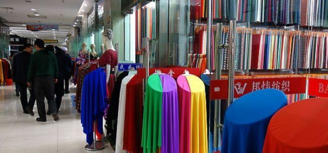 Российские производители одежды ищут замену китайским компаниям